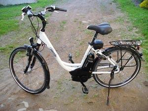 E-Bike mit Mittelmotor und Akku