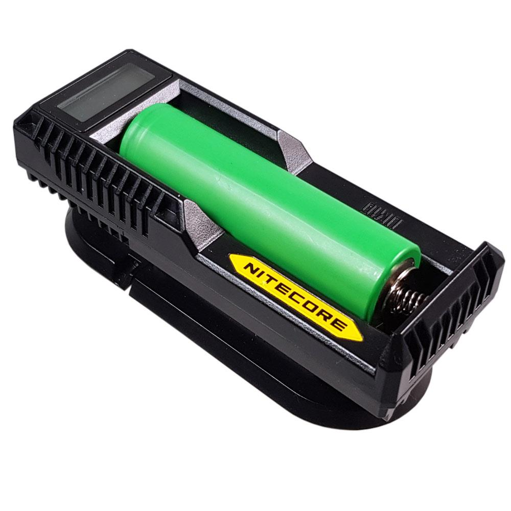 NiteCore USB-Ladegerät UM10 mit 18650 Akku