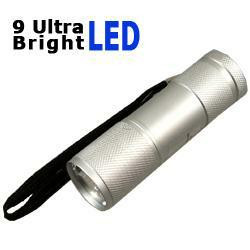 LED-Taschenlampe mit 9 Ultra Bright LEDs in silber inkl. Batterien