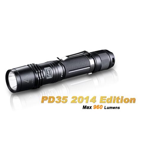 Fenix PD35 Taschenlampe Cree XM-L2 mit 960 Lumen und 200 Meter Leuchtweite