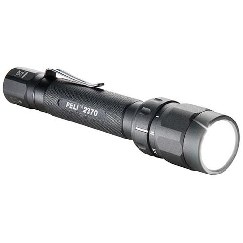 Peli 2370 LED-Taschenlampe schwarz, inkl. 2 x AA Alkaline Batterien