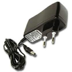 AccuCell Weitbereichs-Netzadapter 12 Volt, 1000mA, 100-240 Volt
